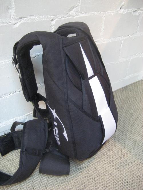 Fire парашютные рюкзаки два медведя и енот чемоданы тащат